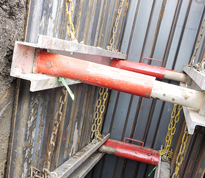 Close up of MGF Aluminium Walers installed at an excavation